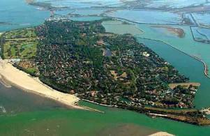 Die Sport- und   Badeinsel   im Golf von Venedig